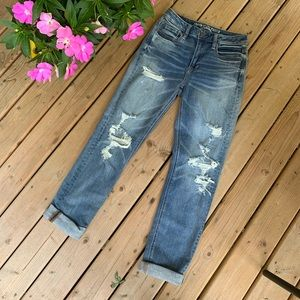 AE Vintage High Rise Slim Ripped & Cuffed Jeans